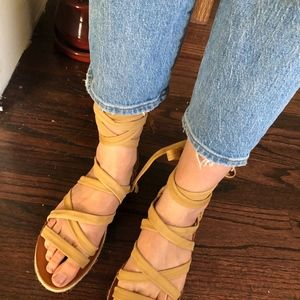 NWOT  Lucky Brand Dalty Lace Up Sandal Sandbox